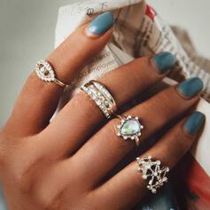 Hottest Shining Star Alloy With Rhinestones Rings (Set of 4)