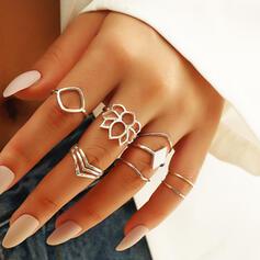 Fashionable Layered Alloy Rings 8 PCS