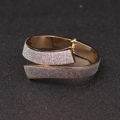 Exquisite Alloy Resin Ladies' Fashion Bracelets