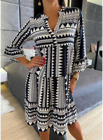 Print 3/4 Sleeves/Flare Sleeves Shift Knee Length Casual Tunic Dresses