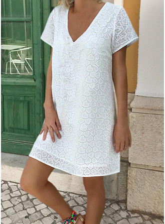Lace/Solid Short Sleeves Shift Above Knee Little Black/Casual/Vacation Dresses